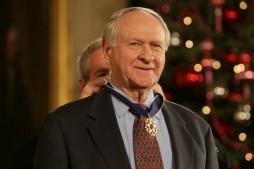 President_Bush_presents_William_Safire_the_2006_President_Medal_of_Freedom