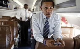 obama_blackberry_1108272c