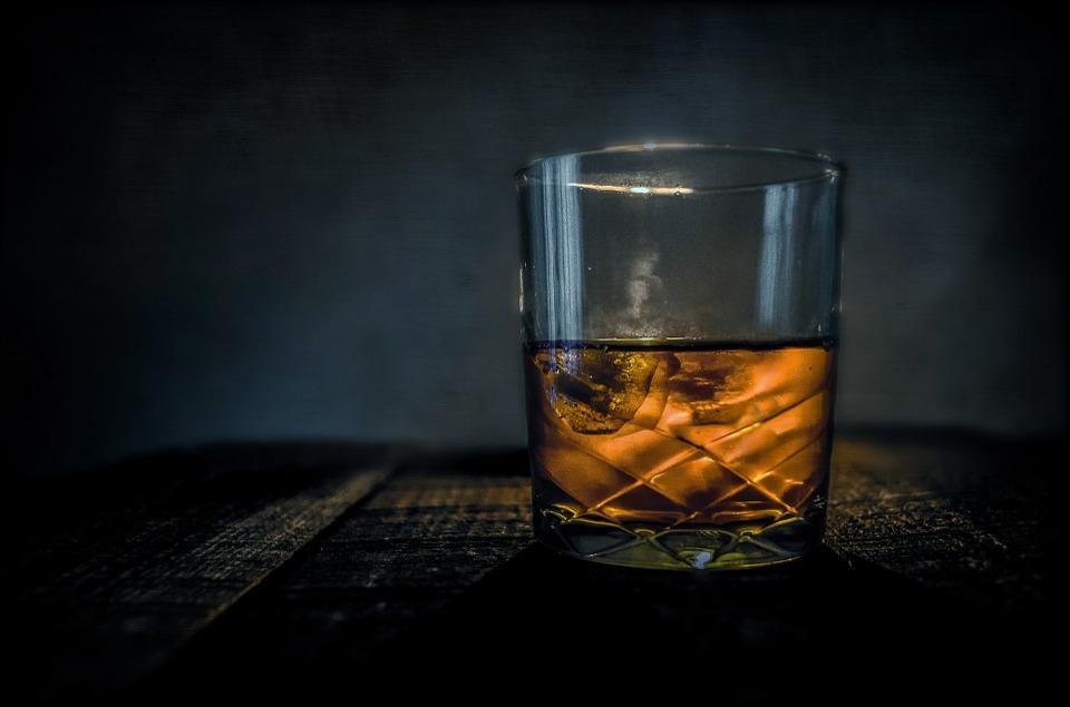 whiskey-315178_960_720-1