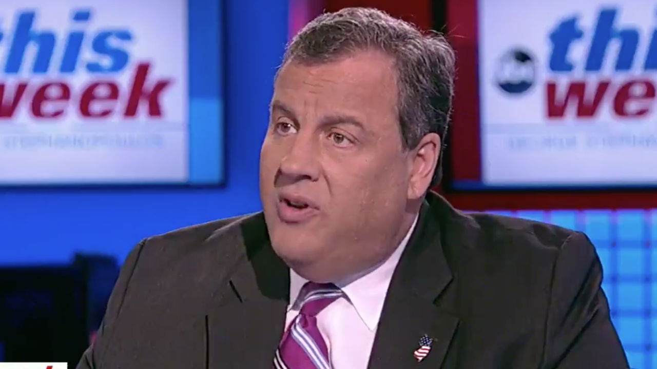 Chris Christie hospitalized with 'mild' virus symptoms
