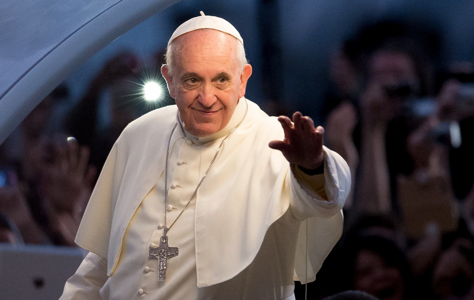 Pope tells his followers to log off for Lent