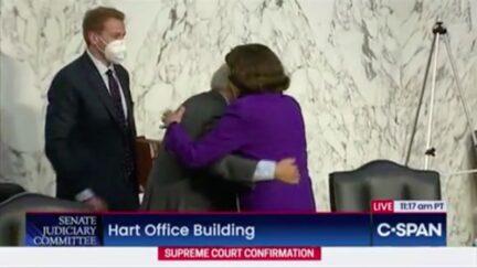Left Twitter Rages at Dianne Feinstein's Maskless Hug of Lindsey Graham After Barrett Hearing
