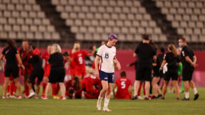 Megan Rapinoe leaves pitch after U.S. loses to Canada