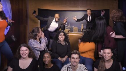 Michael Strahan and Jimmy Fallon Scare Fans by Pretending to be Their Wax Figures at Madame Tussauds