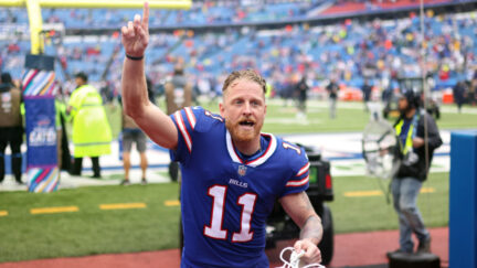 Cole Beasley blames boos from Bills fans on his vaccination status